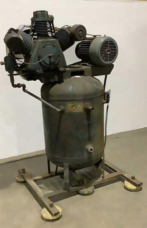 Dresser Industries Inc. Industrial Air Compressor