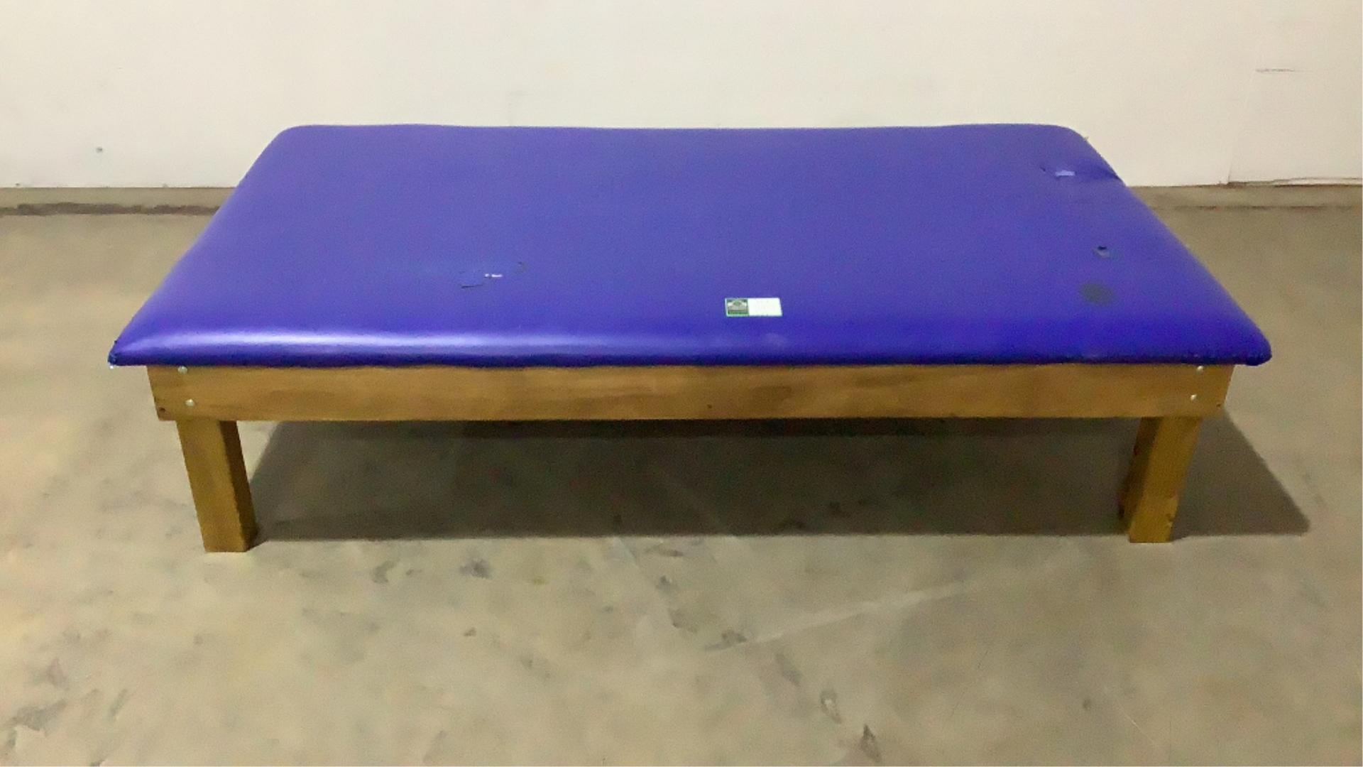 Georgia Pacific Large Mat Table