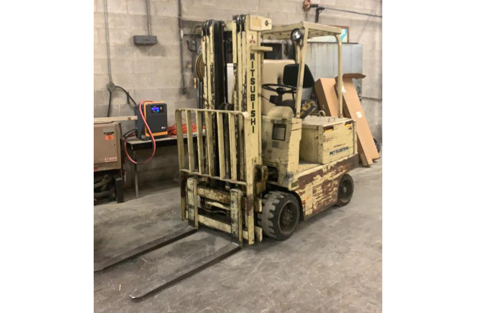 Mitsubishi NYK FE 5000 lb Electric Forklift