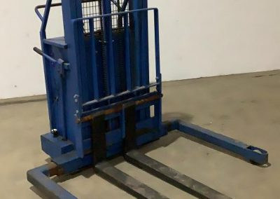 lot199_BlueGiant Forklift