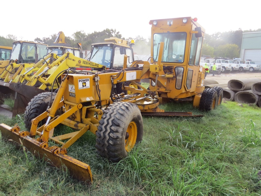 heavy equipment auction road grader