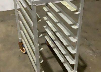 Lot109_tray cart