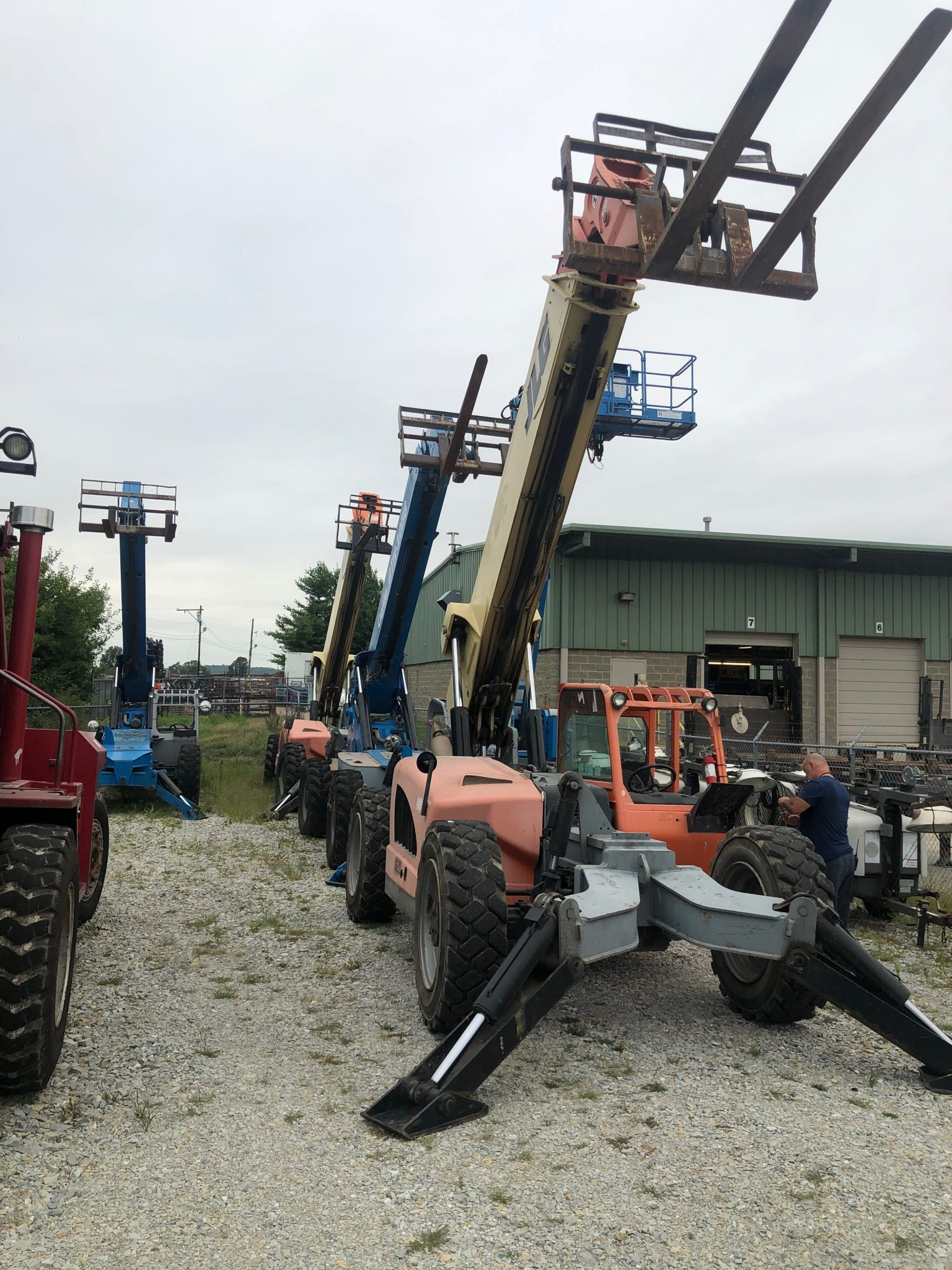 FM Mafco job completion auction JLG lifts