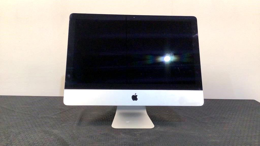 Apple A1418 Computer - 10