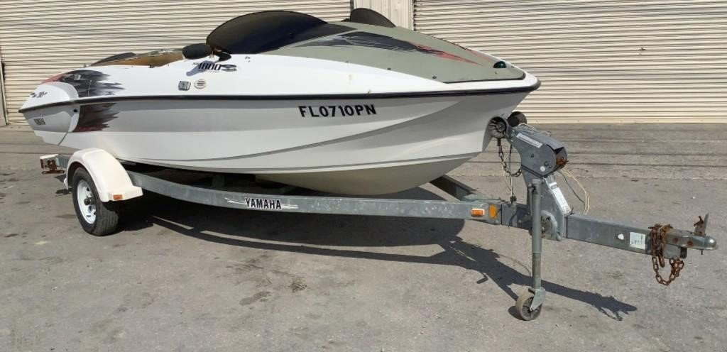 2000 17' Yamaha XR1800 Jet Boat - 192