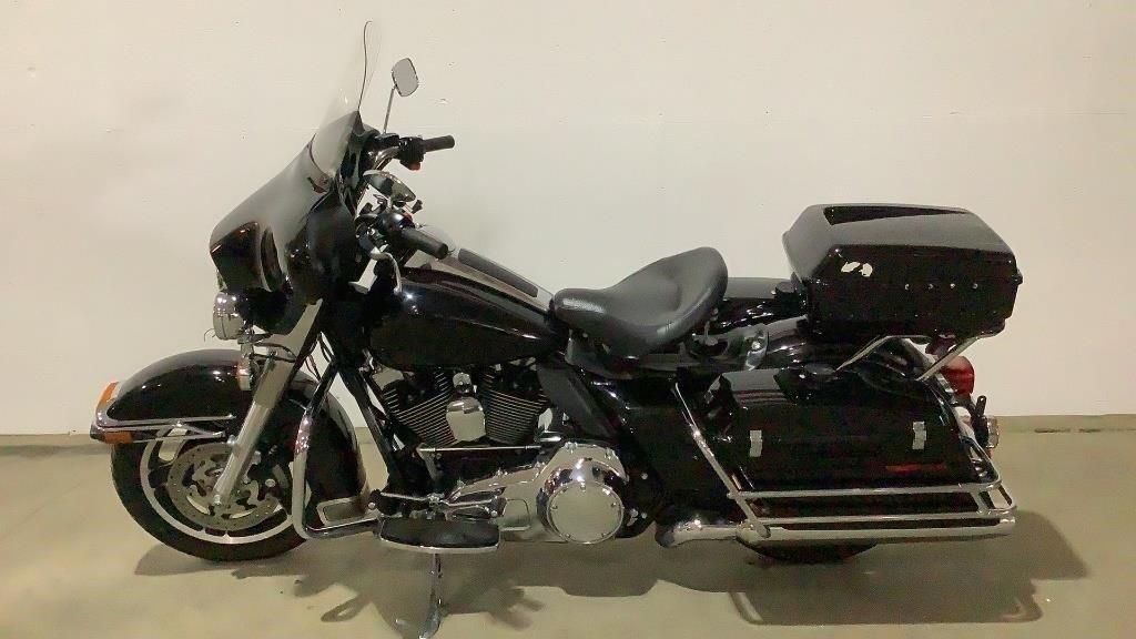 2011 Harley Davidson FLHTP Cruiser - 193