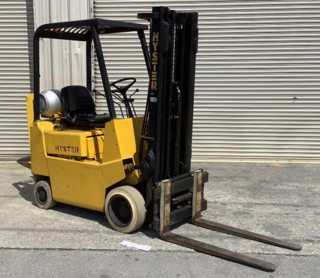 Hyster S30XL 1,800Lb Forklift
