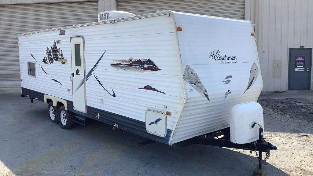 Coachmen 27' Camper Trailer SE 30DBD TT