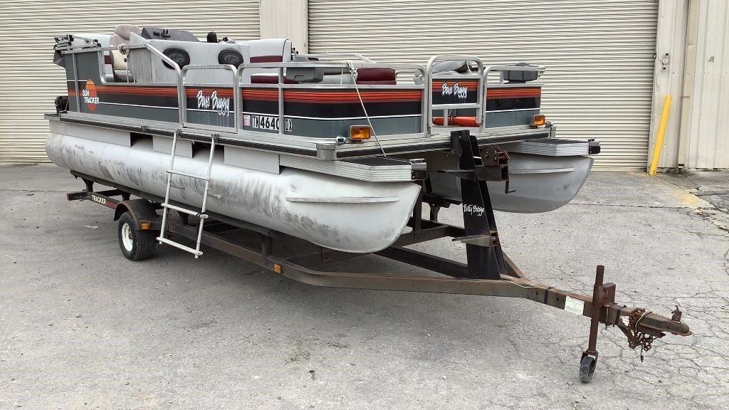 1989 Sun Tracker 20' Bass Buggy Pontoon Boat